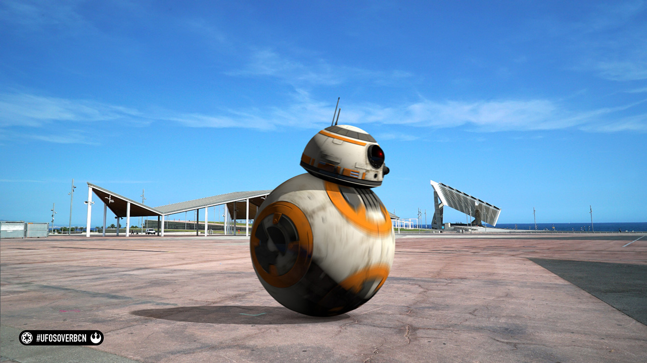 UFOs over Barcelona. Homenaje a Star Wars.. BB-8 at Forum