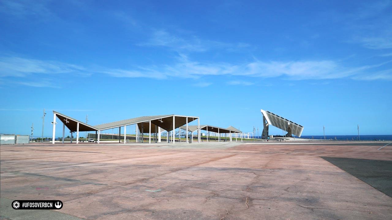 UFOs over Barcelona. Homenaje a Star Wars. Behind the scenes: BB8 en el Forum